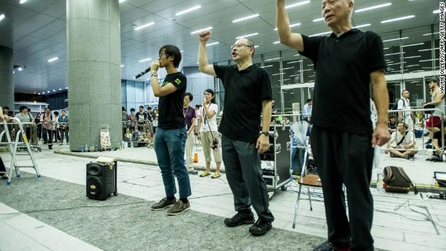 140928163939-hong-kong-protests-sept-28-07-horizontal-gallery